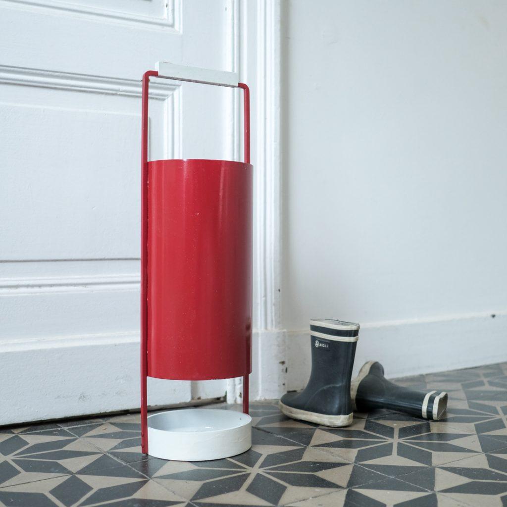 Porte-parapluie en métal rouge et blanc