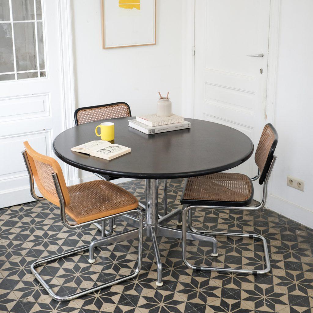 Table ronde Eames