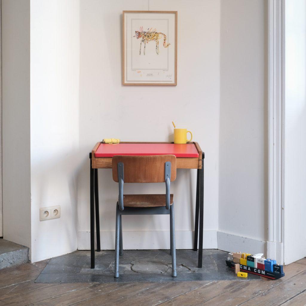 Bureau et chaise écolier moderniste