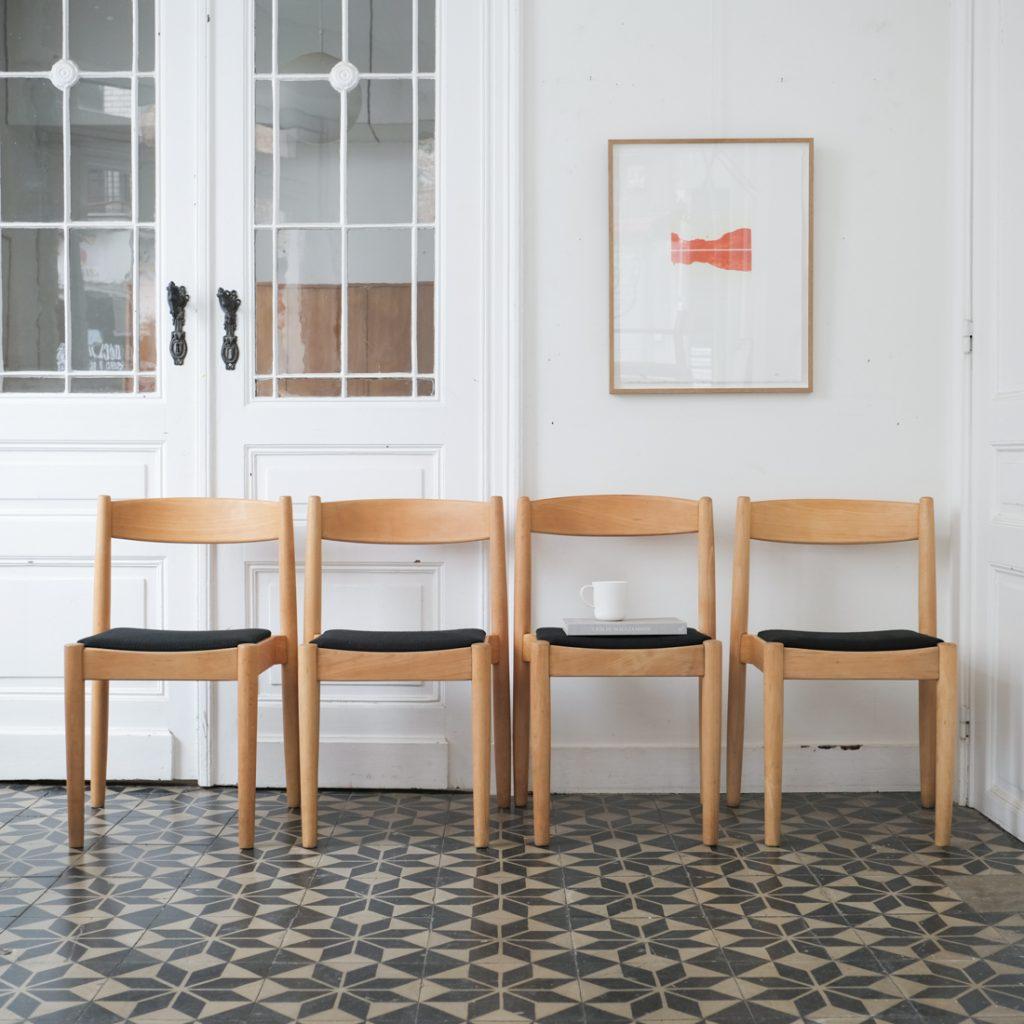 Série de 4 chaises en hêtre
