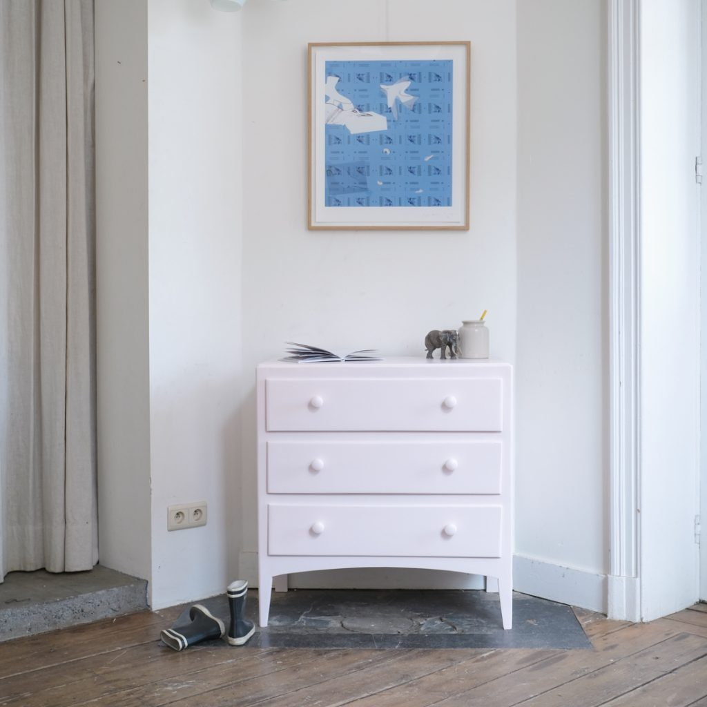 Commode rose poudre