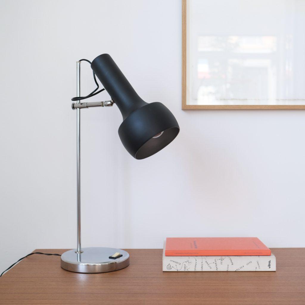 Lampe à poser orientable
